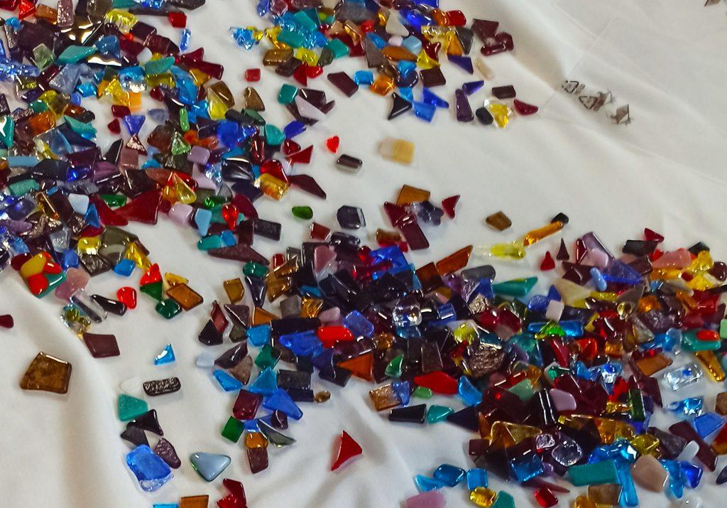 petits bouts de verre fusionnés
