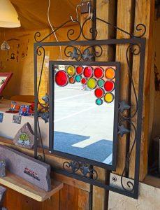 miroir en vitrail traditionnel