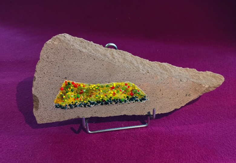 Mezenc en pierre de lave et verre