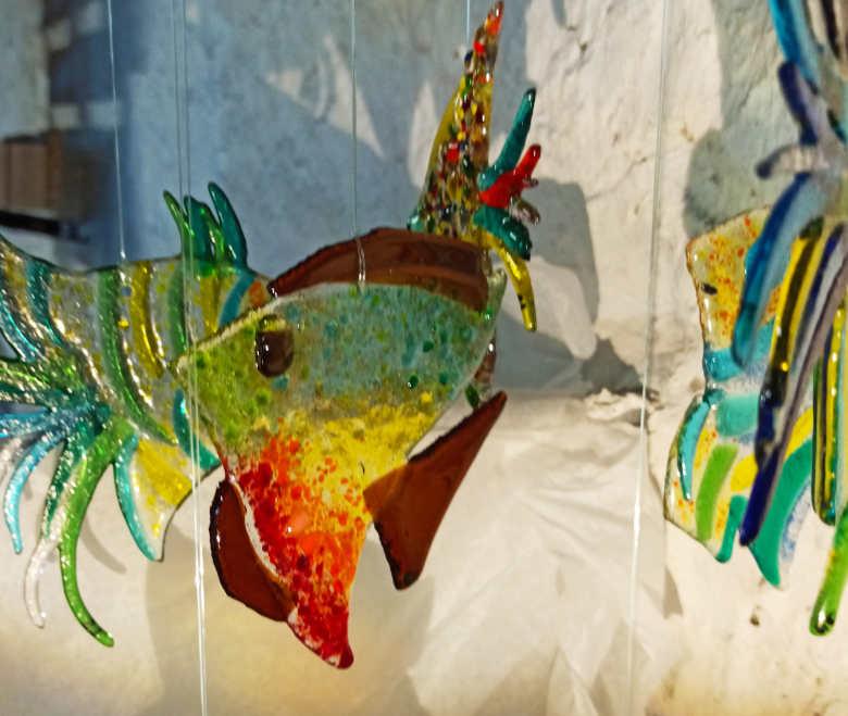 poisson en verre coloré