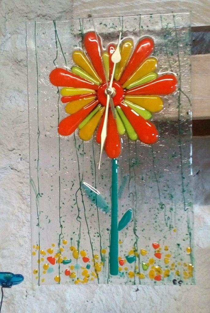 horloge fleur jaune orange